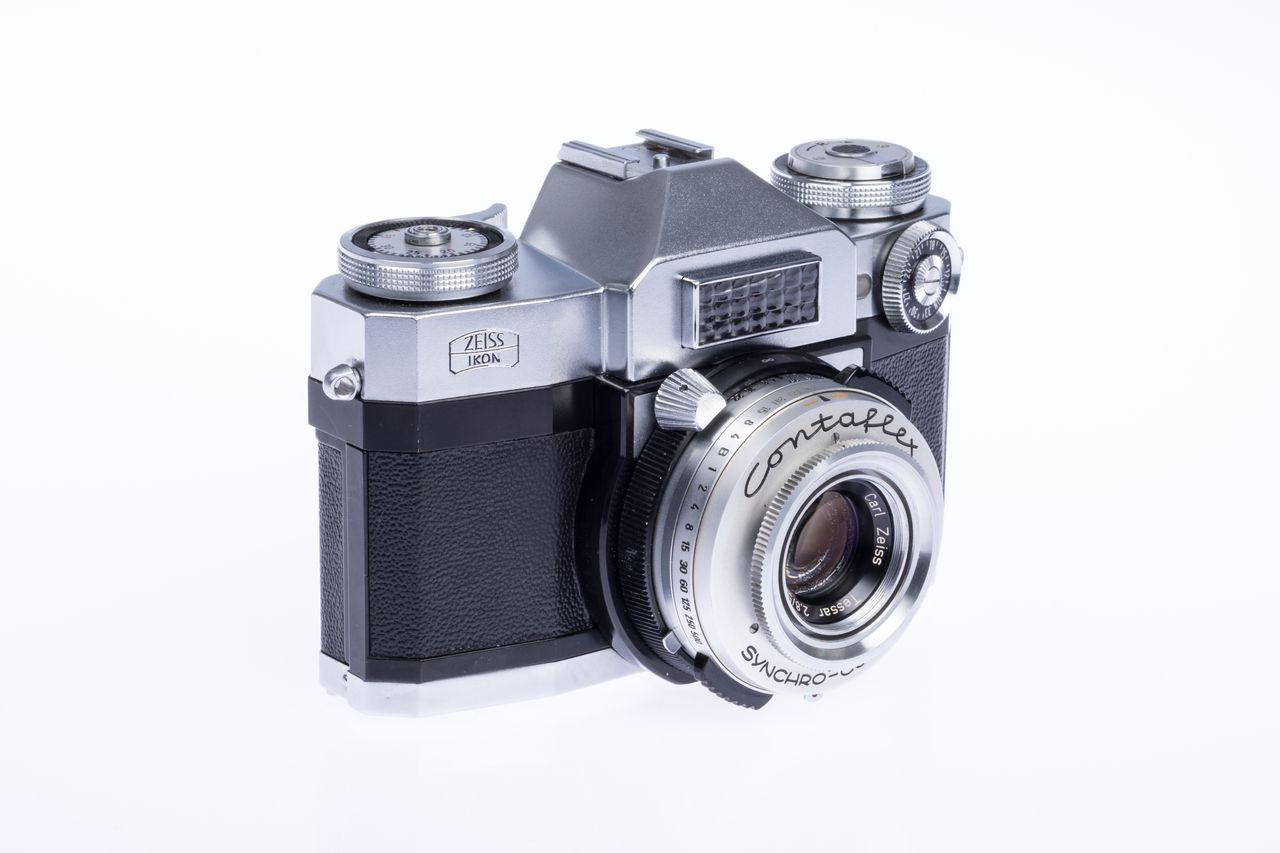 1959 Zeiss-Ikon Contaflex Super 01